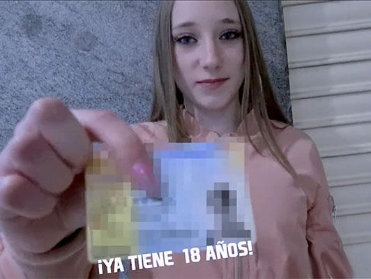 Imagen Hecho en casa porno español de aficionados follando con una chica rubia linda aficionado de 18 años