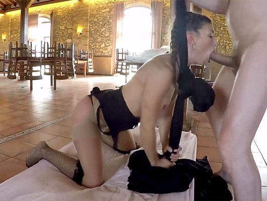 imagen Porno español, follando con la española Julia Roca haciendo ejercicios de gimnasia