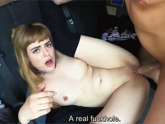 Imagen La muchacha da una pizza y simplemente se la follan en una furgoneta