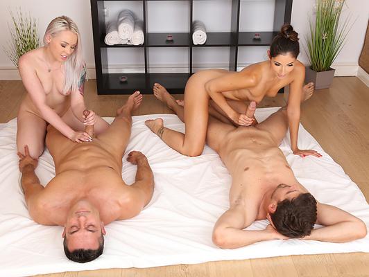 Imagen Sexo cuarteto con una morena y una rubia masajistas profesionales