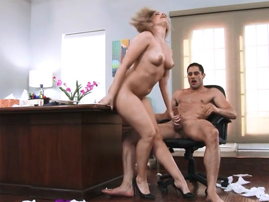 Imagen el puto Alexis texas explosiva con su jefe en la oficina