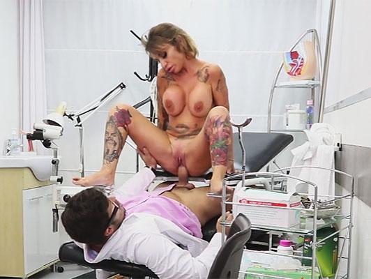 Imagen Increíble tetona española follando duro wiht su ginecologist