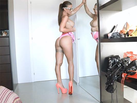 Imagen disfrutando con el cuerpo perfecto de Susy Gala