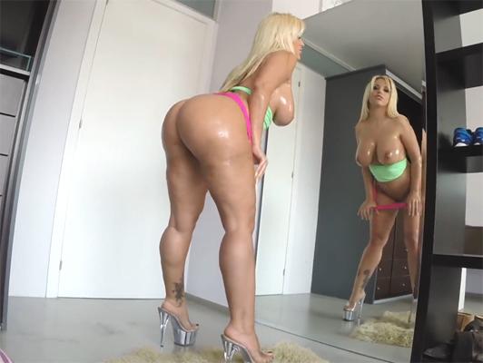 Imagen Follando con el argentino con culo increíble y enormes melones, Blondie Fesser