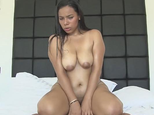 Imagen rolliza chica colombiana en su primer casting porno