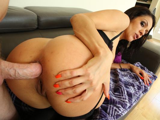Imagen Seductora Samia Duarte en ropa interior hace una gran actuación de sexo anal