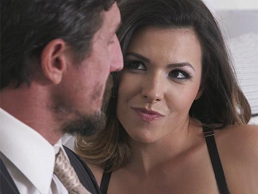 Imagen Madura esposa de engano folla a la secretaria de su marido