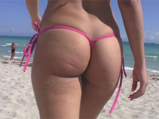 Imagen morena cubana en la playa