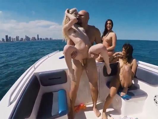 Imagen cuarteto sexual en el barco