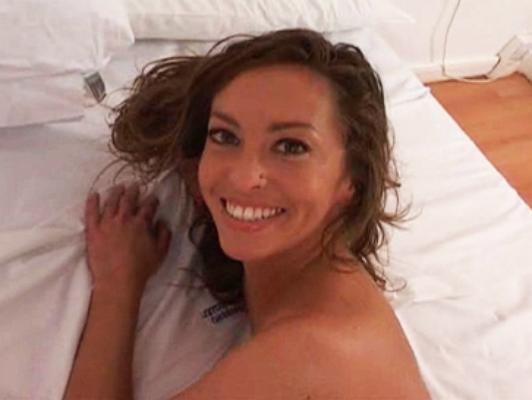Imagen Precious muchacha argentina goza de una penetración anal doble en una doble penetración
