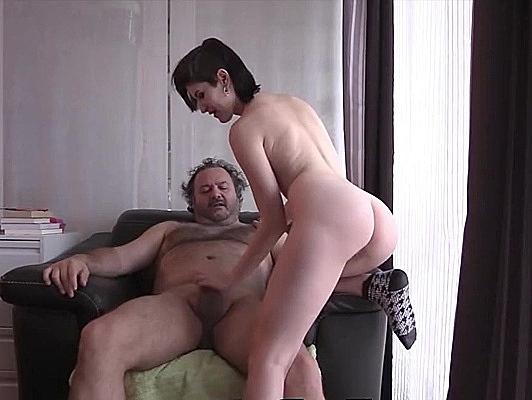 imagen Puta locura sexo casero amateur con una rusa tetona española