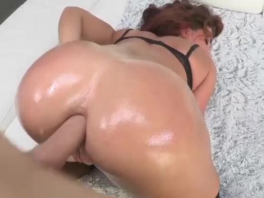 Imagen Aceite para un culazo duro y perfecto para el sexo anal