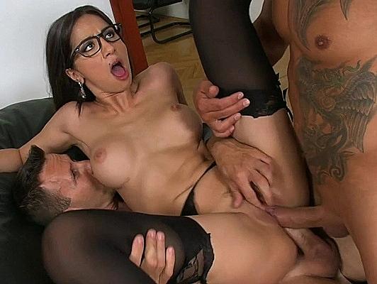 Imagen Doble penetración vaginal y corrida facial para Julia
