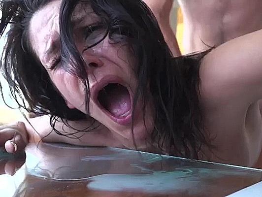 imagen Follando el culo de la española Samia Duarte tragando semen