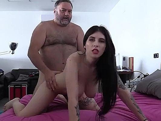 Imagen Porno sexo amateur Follando tetona con la boca llena de smen