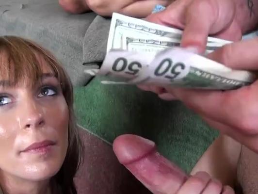 Imagen Joven tiene sexo por dinero y la pasa fenomenal