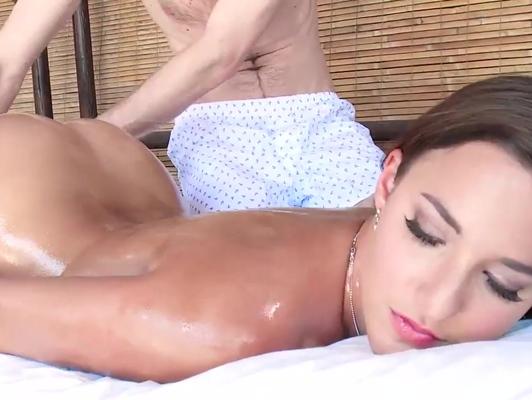 Imagen Culazo de la española Amirah Adara en masaje porno