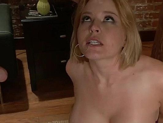 Imagen Sexo anal extremo bondage con rubia sumisa de tetas grandes