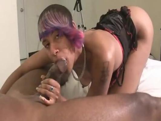 Imagen Negra ninfomana follando duro con su novio