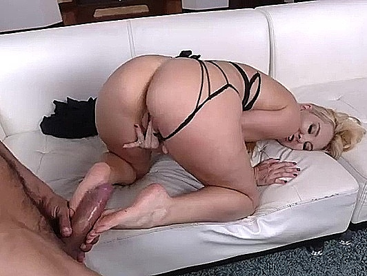Imagen Los pies de la rubia Aaliyah Love cubierto s de esperma