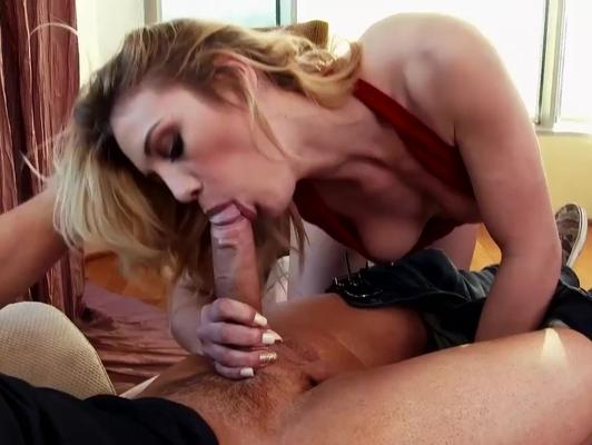 imagen Vecina tiene sexo duro con un vecino aventajado