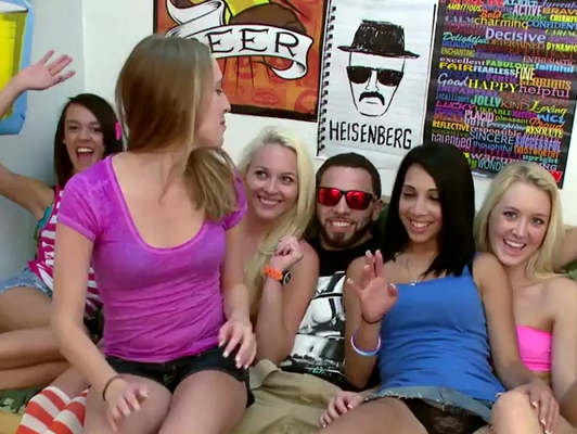 Imagen Orgias espectacular con cinco bellas chicas