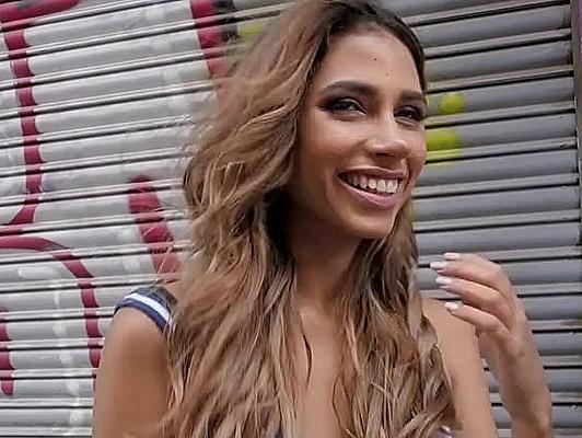 Imagen Rubia española pillada en la calle follada tragando esperma
