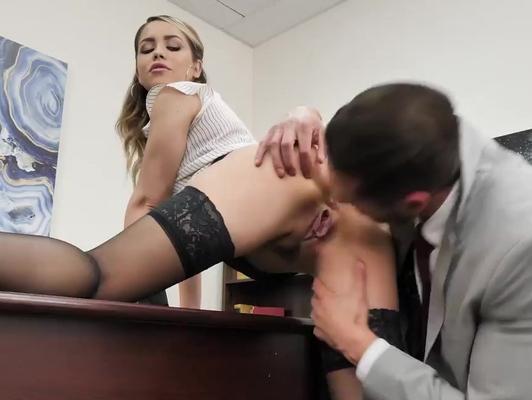 Imagen Secretaria tiene sexo duro en la oficina con corrida facial