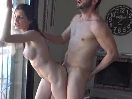 Imagen Pareja española amateur follando en su primer video porno