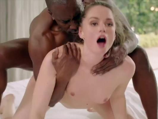 Imagen Interracial follando con una jovencita de chocho rosado