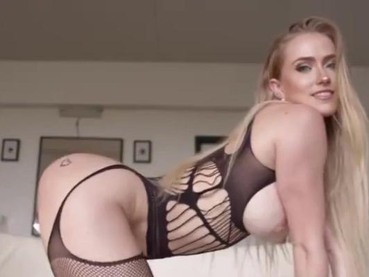 Imagen Lenceria de una rubia muy hermosa sexo fuerte