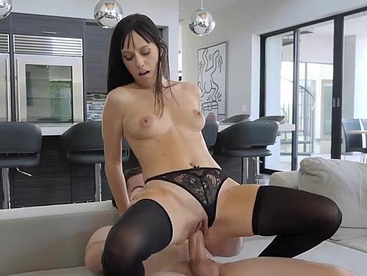 Imagen Creampie para una sexy milf con medias de seda