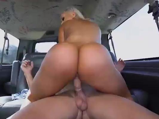 Imagen Follando en furgoneta con una buena culona