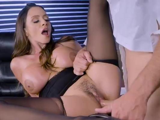 Imagen Locas tardes de sexo con latina en la oficina
