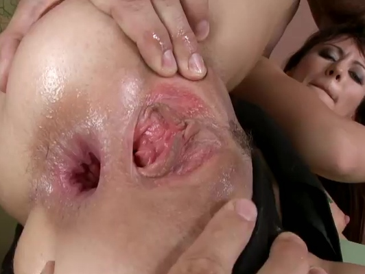 Imagen Trio de una chica con dos chicos en anal duro