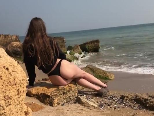 Imagen Deseos de follar en playa pública