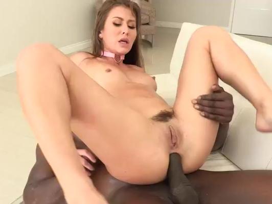 Imagen Interracial follando a rubia con tranca negra
