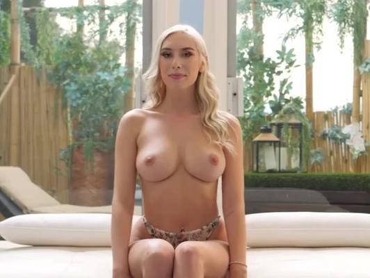 Imagen Casting porno con una novata rubia culona y tetona