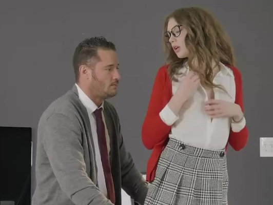 Imagen Colegiala con faldita y gafas folla con profesor